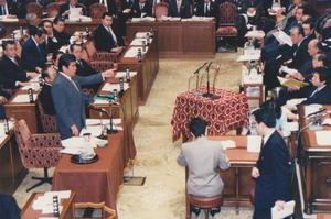 細川政権を追求.jpg