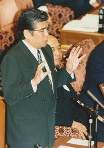 細川政権を追求2.jpg